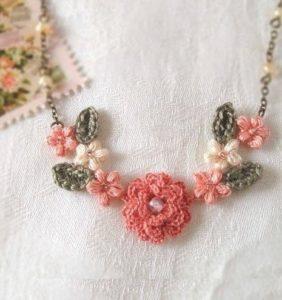 20 Joyas en Crochet con pequeños Motivos Florales 🌼