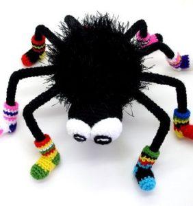 Arañas para Halloween, geniales y divertidas en crochet