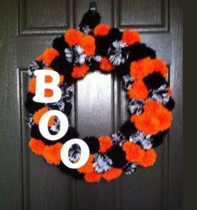 En Halloween ¡decoramos con pompones de lana!