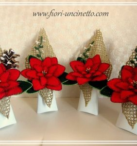 Centros de flores para Navidad, en crochet por supuesto
