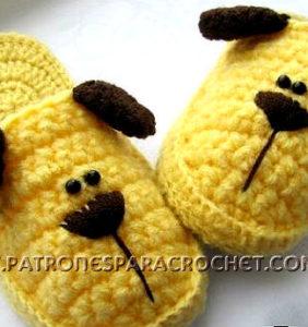 Pantuflas con carita de perro para tus peques en crochet